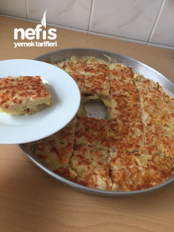 Kahvaltı İçin Fırında Beşamel Soslu Patates Graten