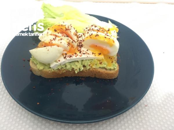 Avokadolu Yumurta Kahvaltısı