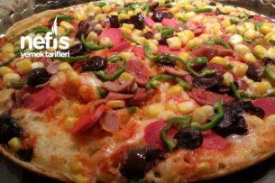 Bol Malzemeli Tavada Pizza Tarifi
