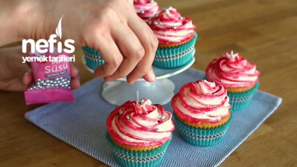 Vişneli Cupcake Tarifi, Tüm Püf Noktalarıyla