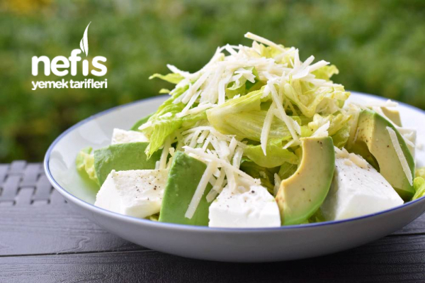 Avokado Mozzarella Salatası