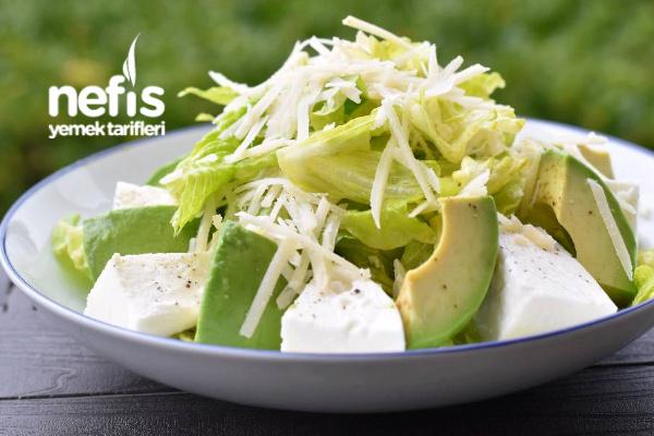 Avokado Mozzarella Salatası Tarifi