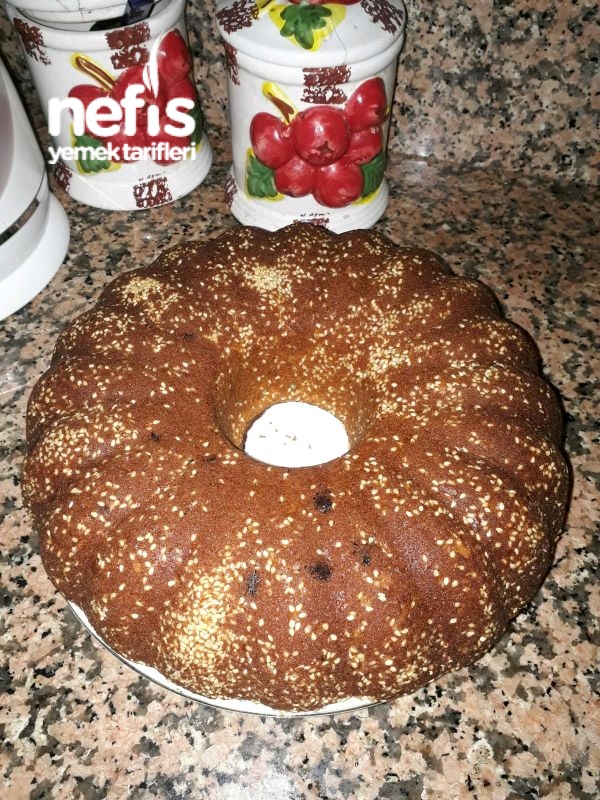 dışı susamlı Tahinli Havuçlu Üzümlü Kek