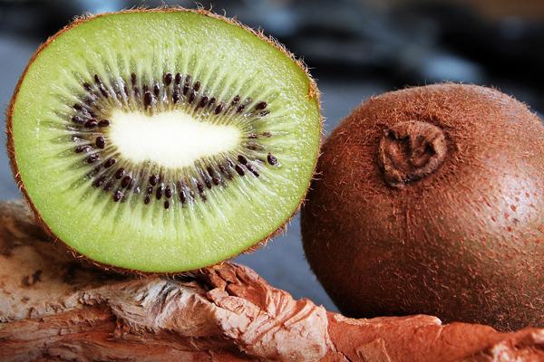 Kivi Faydaları, Kalori ve Besin Değeri Tarifi