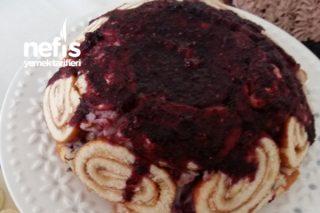 Orman Meyveli Şarlot Pasta Tarifi