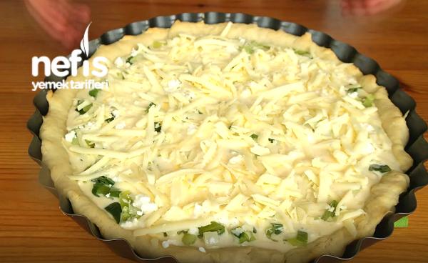 Peynirli Pırasalı Kiş (LEZZET GARANTİLİ, videolu)