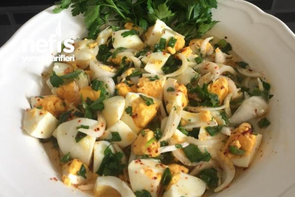Tadına Bayılacağınız Yumurta Salatası Tarifi