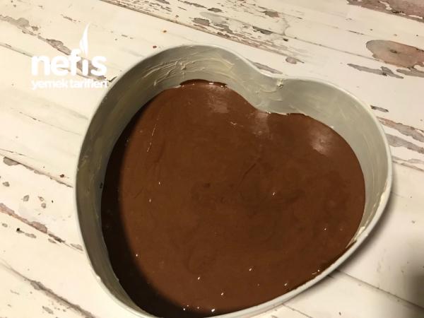 Köpük Çikolatalı Pasta (Mousse Kremalı)