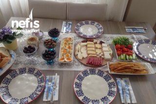 Ailemle Mutlu Bir Kahvaltı Tarifi