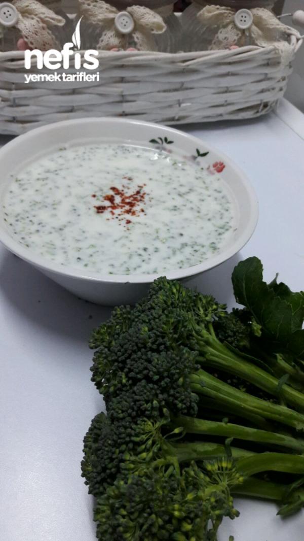 Doktorların Bile Tavsiye Ettiği Çiğden Brokoli Cacığı