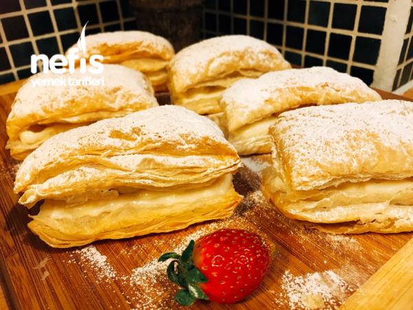 Kremalı Muzlu Milföy Pasta(çok Lezzetli)