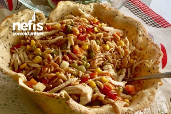 Arpa Şehriyeli Tavuk Salatası Tarifi