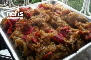 Kahvaltıya Közlenmiş Biber Patlıcan Salatası Tarifi