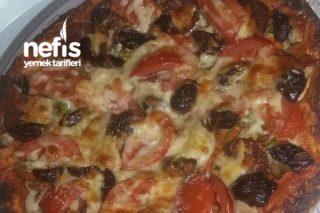Lavaşta Pizza Tarifi