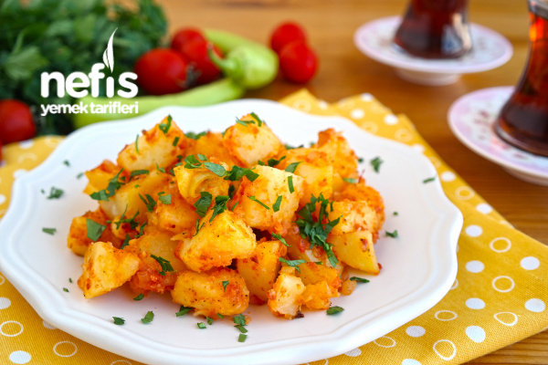 Salçalı Patates Kavurması (videolu) Tarifi