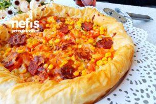 Muhteşem Pizza Börek (Hazır Yufkadan) Tarifi