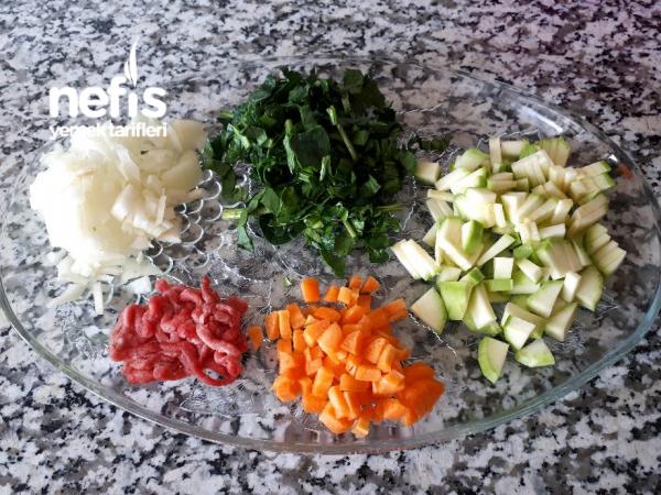 +8 Aylık Bebekler Için Kıymalı Sebze Çorbası