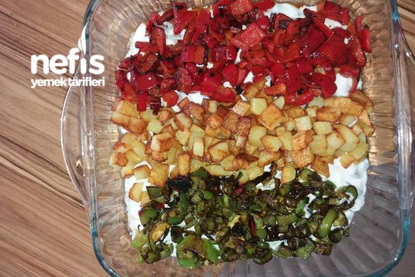 Yoğurtlu Patlıcan Yatağında Karışık Kızartma Tarifi