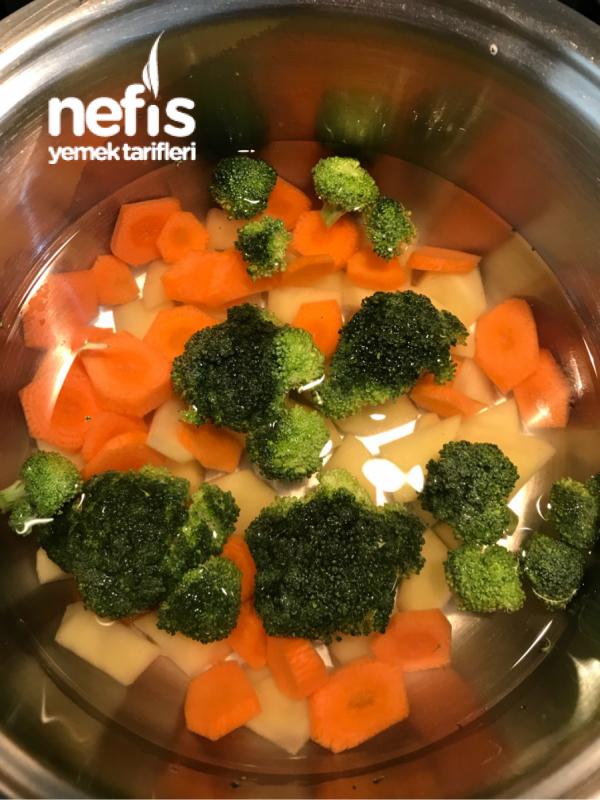 Bebek Brokoli Çorbası +7 Ay