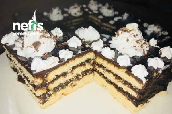 10 Dakikada Nefis Bisküvi Pastası (Pratik) Tarifi