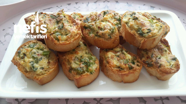 Firinda Kahvaltilik Peynirli Ekmek(bayat Ekmeklerimizi Degerlendirelim)