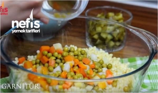 Garnitürlü Kuskus Salatası