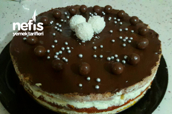 Muzlu Çikolatalı Yaş Pasta Tarifi