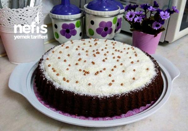 Tart Kalıbında Kakaolu Kremalı Kek