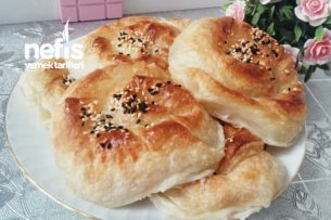 Kabarmaya Doymayan Pastane Böreği Tarifi