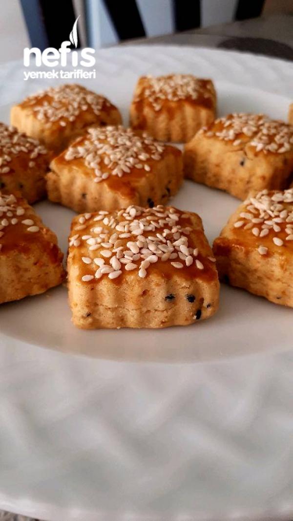 Kırmızı Biberli Çörek Otlu Kurabiye (Nefiss)