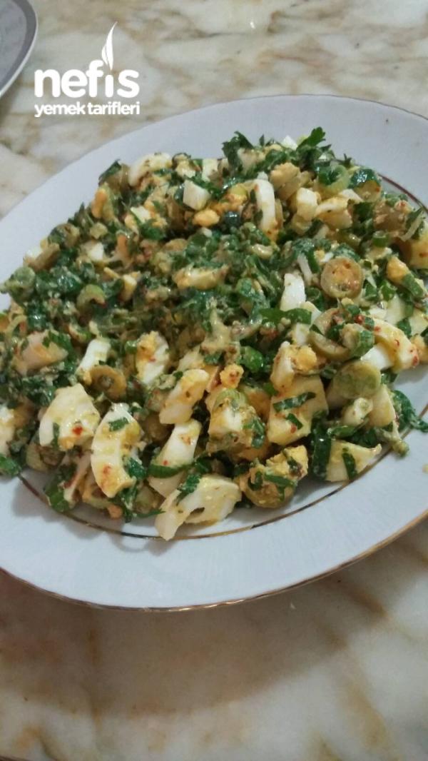 Zeytinli Yumurta Salatasi
