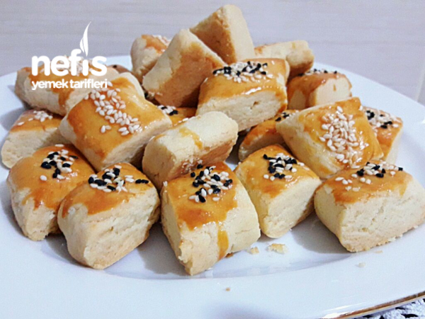 Pastane Lezzetinde Tuzlu Kurabiye