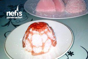 Çilekli Fincan Tatlısı Tarifi
