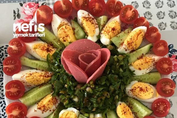 Kahvaltının Vazgeçilmez Salatası Tarifi