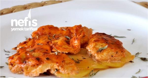 Fırında Kremalı Salçalı Tavuk-Patates
