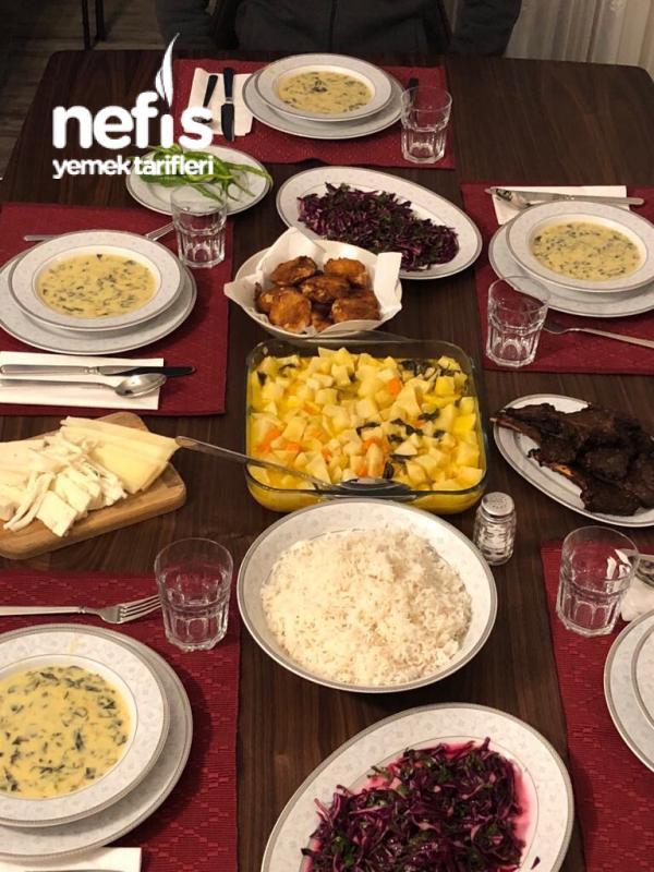 Misafirlere Akşam Yemeği