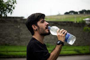 ayakta su içmek