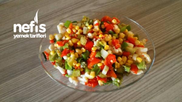 Brokolili Karnabaharlı Salata