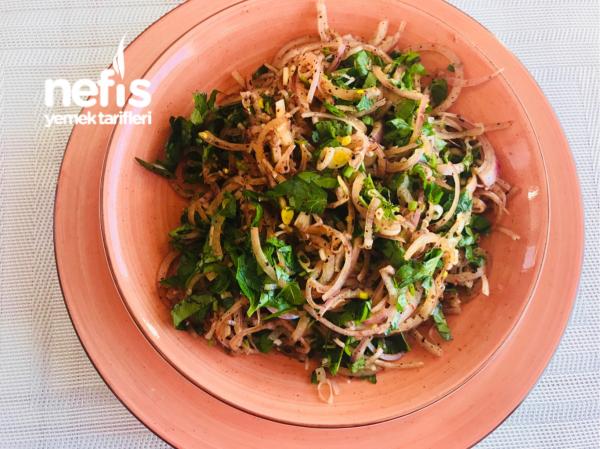 Kuru Soğan Salatası