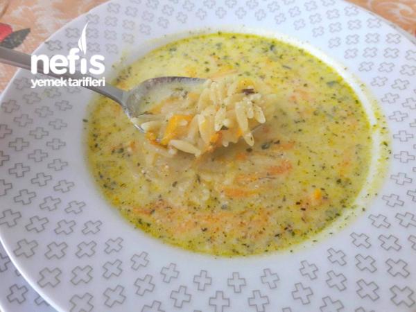 Havuçlu-yoğurtlu Şehriye Çorbası