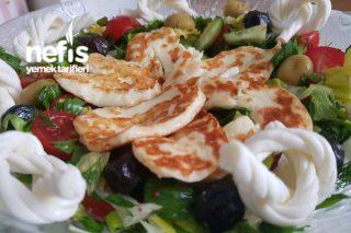 Kızarmış Hellim Peynirli Kahvaltı Salatası Tarifi