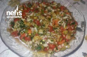 Nefis Közlenmiş Patlıcan Ve Biberli Salata Tarifi