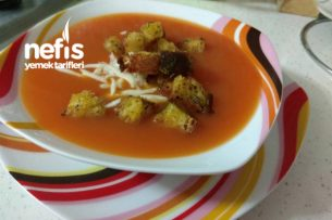 İtalyan Kıtır Ekmekli Domates Çorbası Tarifi