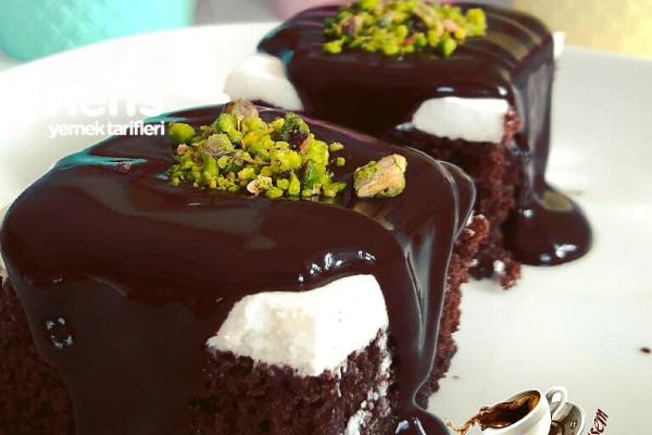 Ağlayan Pasta (Çikolata Soslu Islak Kek) Tarifi