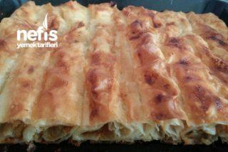 Yumuşacık Patatesli Havuçlu Tepsi Böreği Tarifi