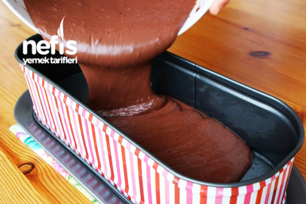 Islak Baton Kek (soslu)