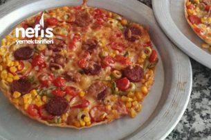 Tart Kalıbında Pratik Pizza Tarifi