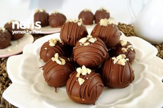 Yer Fıstıklı Yulaflı Çikolata Topları (videolu) Tarifi
