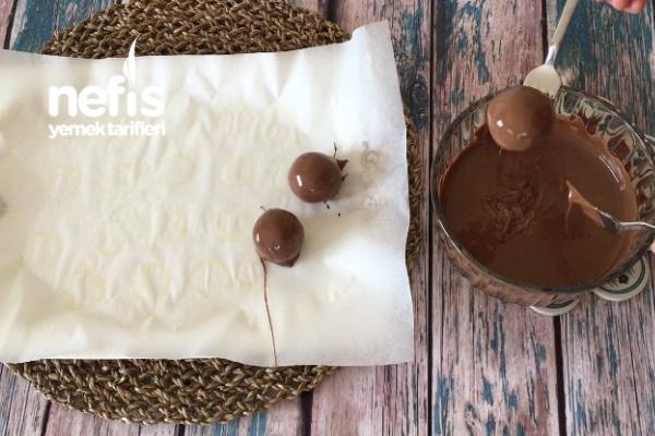 Yer Fıstıklı Yulaflı Çikolata Topları (videolu)