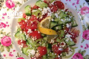 Lorlu Domates Salatası Tarifi